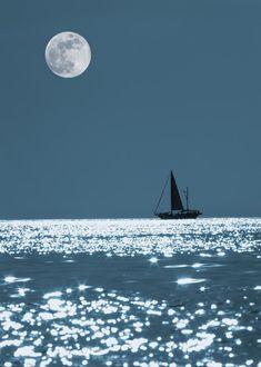 ✯ Sailing At Night
