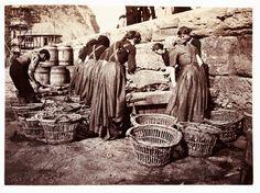 ⛵⊱Women ⚓ of salt air⊰⛵       .Women sorting the catch, Whitby