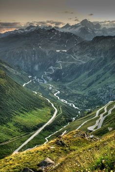 Furka Pass in Switzerland. This famous Alpine passage is not for the faint hearted, but rather for bikers and sport car enthusiasts. Great Places, Places To See, Beautiful World, Beautiful Places, Dangerous Roads, Winterthur, Zermatt, Wonders Of The World, Switzerland