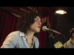 """Carrie Rodriguez """"La Punalada Trapera"""" AKA THE TREACHEROUS BACKSTAB Carrie and her Mandobird singing about a story old as time"""