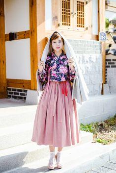 따뜻한 감성의 겨울 어깨허리치마 사랑스러운 기모 생활한복 원피스 Korean Fashion Pastel, Korean Fashion Summer Casual, Korean Fashion Street Casual, Korean Fashion Kpop, Korean Fashion Dress, Korean Dress, Korea Fashion, Korean Outfits, Skirt Fashion