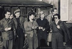 Group of USO performers in Europe, WWII. USO Camp Shows, Inc. - ETO. | Flickr.com - LoneSentry
