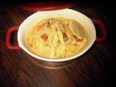 Pui cu smantana si legume Romanian Food, Thai Red Curry, Food Ideas, Yummy Food, Favorite Recipes, Dishes, Chicken, Eat, Ethnic Recipes