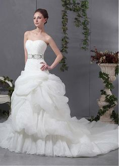FUTURISTIC ORGANZA SATIN SATIN TULLE BALL GOWN STRAPLESS SWEETHEART NECKLINE NATURAL WAIST BEADED WEDDING DRESS
