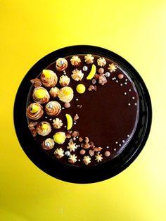 Banana nut crunch cake
