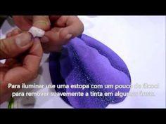 Durante a feira Mega Artesanal/2013, o artista plástico Mauro Martins de Fortaleza, ensina a fazer uma linda tela de pintura em 3D com o tema Tulipas. Segue ...