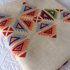 This Pin was discovered by Neş Mini Cross Stitch, Cross Stitch Borders, Cross Stitch Designs, Cross Stitch Patterns, Hardanger Embroidery, Cross Stitch Embroidery, Embroidery Patterns, Hand Embroidery, Bargello Patterns