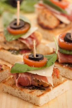 Fried shrimps and serrano jam mini sandwiches