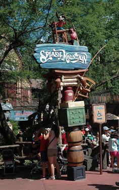 husband built 9 lanterns that hang in the trees at Splash Mountain! Disney Day, Disney Theme, Disney Parks, Walt Disney World, Disney Couples, Disney Worlds, Disneyland Trip, Disney Vacations, Disney Travel