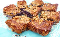 An occasional treat - These little crumble bars are downright heavenly. In this recipe, blueberry purée rests between an oat crust and a layer of crumbles. Vegan Gluten Free Desserts, Vegan Dessert Recipes, Vegan Treats, Vegan Snacks, Baking Recipes, Snack Recipes, Vegan Food, Baking Ideas, Paleo Recipes