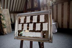 6 ideias para o seating plan com espelho. #casamento #ideias #seatingplan #espelho #mesas #nomesdosconvidados