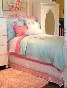 Perfect bedding and colors for Ella's room!