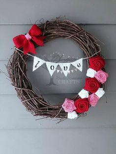 The Best Easy DIY Valentine's Day Wreath Ideas {Details Blog}