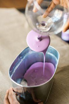 Diy: Pieds de verre peints à la peinture ardoise | BricoBistro