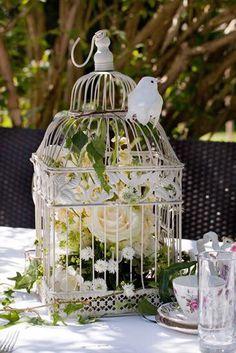 Laura & Rob\'s Real Wedding - vintage-inspired-decor | Pinterest ...