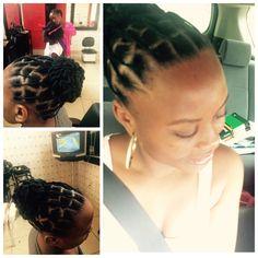 African threading  #tranças de linha                                                                                                                                                      More Natural Hair Bun Styles, Natural Hair Braids, Natural Hair Care Tips, Braids For Black Hair, Short Hair Styles, Brazilian Wool Hairstyles, African Natural Hairstyles, African Threading, Hair Threading