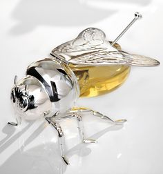 Beauriful Bee Honey Jar  ... see more at PetsLady.com ... The FUN site for Animal Lovers