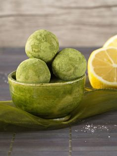 Matcha-Zitronen-Kugeln