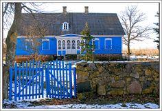 Blue house in Kabli, Häädemeeste, Pärnu County, Estonia. By Jurgis Karnavicius