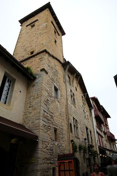 St-Jean de Luz (Pyrénées Atlantiques) - Maison Ezkerrenea - la Tour - XVème