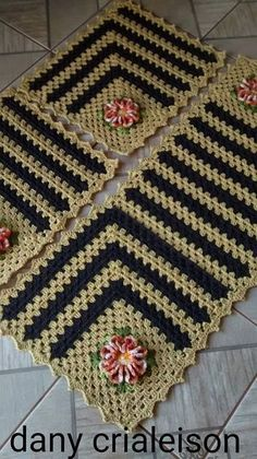 How to Use a Crochet Table Runner in Your Design Crochet Placemats, Crochet Table Runner, Crochet Quilt, Crochet Afghans, Crochet Squares, Crochet Home, Crochet Blanket Patterns, Crochet Granny, Crochet Motif