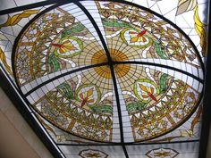 http://fotos.infoisinfo.com.co/vitrales_y_escultura_en_vidrio_daniel_castillo/482955_944