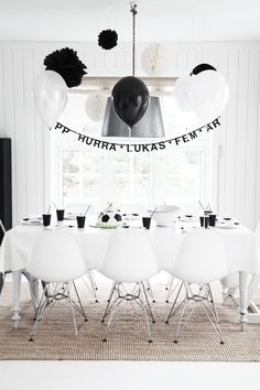 Monochrome Party Inspiration, Black and White Party Inspiration. Kids Party Themes, Birthday Party Themes, Party Ideas, Happy Birthday, Black White Parties, Black And White, Party Mottos, Batman Party, Soccer Party