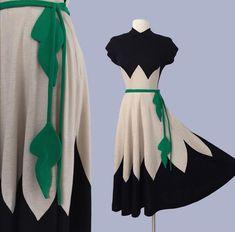 Petal masterpiece by Doris Dodson / 3 pc Jersey Wool Vintage Outfits, Vintage Dresses, Vintage Clothing, 1940s Fashion, Vintage Fashion, Edwardian Fashion, Emo Fashion, 40s Mode, Lindy Hop