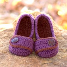 Toddler Crochet Pattern for Valerie Slipper - Childrens Sizes 4 - 9 - ALL Six Sizes Included -  number 206 Instant Download