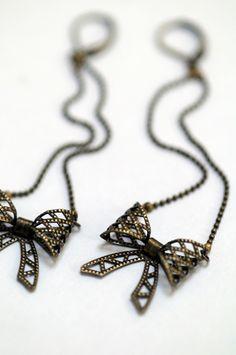 MIDINETTE - Boucles d'oreille | Earrings - BAZAROÏDE CREATION Chaîne et nœuds en laiton antique. Série limitée. / Antique brass chain with knots. Limited edition.