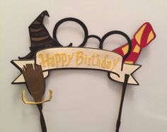 This Harry Potter cake topper has it all.the hat, the glasses, the scarf, the… Cumpleaños Harry Potter, Harry Potter Drawings, Girl Birthday Themes, Happy Birthday Banners, Birthday Cards, Diy Cake Topper, Birthday Cake Toppers, Anniversaire Harry Potter, Harry Potter Birthday