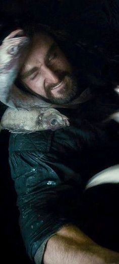 Richard Armitage as Thorin & fish.