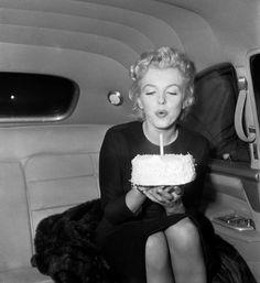 1/06/1956 Fête et Départ de Los Angeles - Divine Marilyn Monroe