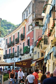 Shopping in Capri, Italy