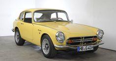 Deze knalgele Honda S800 Coupé uit 1969 wordt te koop aangeboden in Duitsland. Het betreft een origineel in Duitsland geleverde auto en zou volgens de... Small Sports Cars, Small Cars, Classic Japanese Cars, Honda Cars, Fancy Cars, Sport Cars, Design, Motorbikes, Cars
