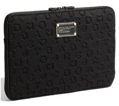 f82060b788bcb Marc Jacobs Funda Laptop 13 Pulgadas Negro Relieve Neopreno en Mercado Libre  México