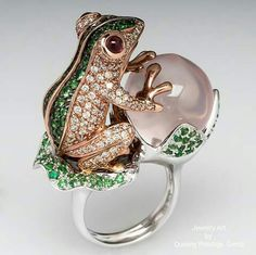 Frog cocktail ring by Era Gem Jewelry