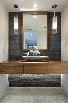 Una forma de definir y marcar estilo a nuestro cuarto de baño, es a través de la elección del lavabo o lavamanos. Ya sea grande o pequeño, nuestro cuarto de baño puede lucir muy bien y cambiar su a…