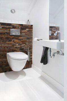 """Come si arreda un piccolo bagno? Beh, ad esempio puoi utilizzare un wc sospeso (abbinato al bidet). In questo modo ci sarà un senso di """"leggerezza"""", e la luce avrà modo di passare sotto i sanitari. Questo è solo uno dei trucchi che ti racconto nella mia guida. Dagli un'occhiata! ;-) #arredobagno #arredobagnodesign #bagno #arredamentodinterni #arredamentocasa"""