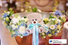 decor cristelnita botez issamariage bucuresti hotel diesel floreasa 2018 Baby Boy Cookies, Baby Party, Christening, Baptisms, Children, Florists, Crafts, Home Decor, Green Hydrangea