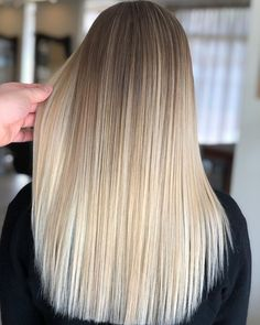 Factory direct sell, tape in, clip. Blonde Hair Shades, Dyed Blonde Hair, Blonde Hair Looks, Blonde Hair With Highlights, Brown Blonde Hair, Hair Color Balayage, Ombre Hair, Blonde Balayage, Blonde Honey