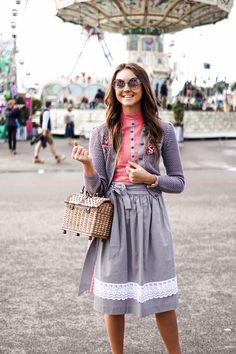 Wiesn Look 2017 – High5 Nina in JAN&INA Trachten. Look 2017, Midi Skirt, Skirts, Inspiration, Shopping, Fashion, Spring Looks, Summer, Skirt
