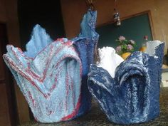 Cement Art, Concrete Crafts, Concrete Art, Diy Projects To Sell, Art Projects, Coaster, Concrete Molds, Clay Crafts, Flower Pots