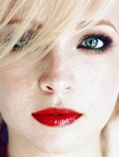 Caroline Forbes - Candice Accola