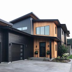 50 Amazing Exterior Paint Colors For House With Roof > Fieltro.Net house exterior amazing exterior paint colors for house with roof 26 > Fieltro. Black House Exterior, Exterior Paint Colors For House, Paint Colors For Home, House Colors, Cabin Exterior Colors, Black Windows Exterior, Rustic Home Design, Dream Home Design, Modern House Design