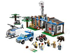 Lego City Forest Police Station  Be on guard for robbers at the Forest Police Station!