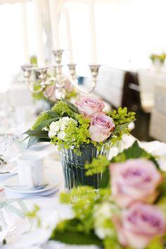 Flowers green   Blumenschmuck grün Tischdeko Hochzeit
