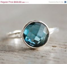 such a beautiful blue! i adore this and i would love one!