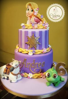 Date and nut cake - HQ Recipes Bolo Rapunzel, Rapunzel Birthday Cake, Disney Princess Birthday Cakes, Tangled Birthday Party, Birthday Cake Girls, Birthday Parties, Rapunzel Cake Ideas, 5th Birthday, Disney Cakes