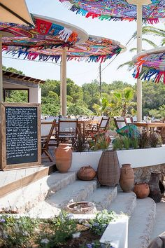 Spectacular Beach Restaurant Interior Exterior Design Ideas The interior has a specific amount of drama and yet in addition, it is easy. It is very glamorous but also very simple. Employing arched casing for en… Deco Restaurant, Outdoor Restaurant, Beach Restaurant Design, Restaurant Concept, Interior Exterior, Exterior Design, Ibiza Strand, Tulum, Porches